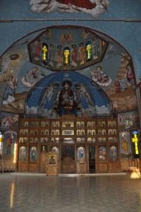 Interiorul bisericii mari